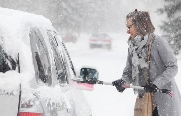 Kuidas auto aknaid jääst puhtaks saada?