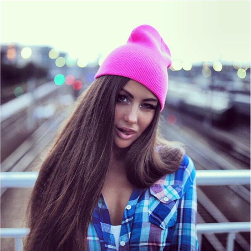 Suures värvivalikus mütse täiskasvanutele