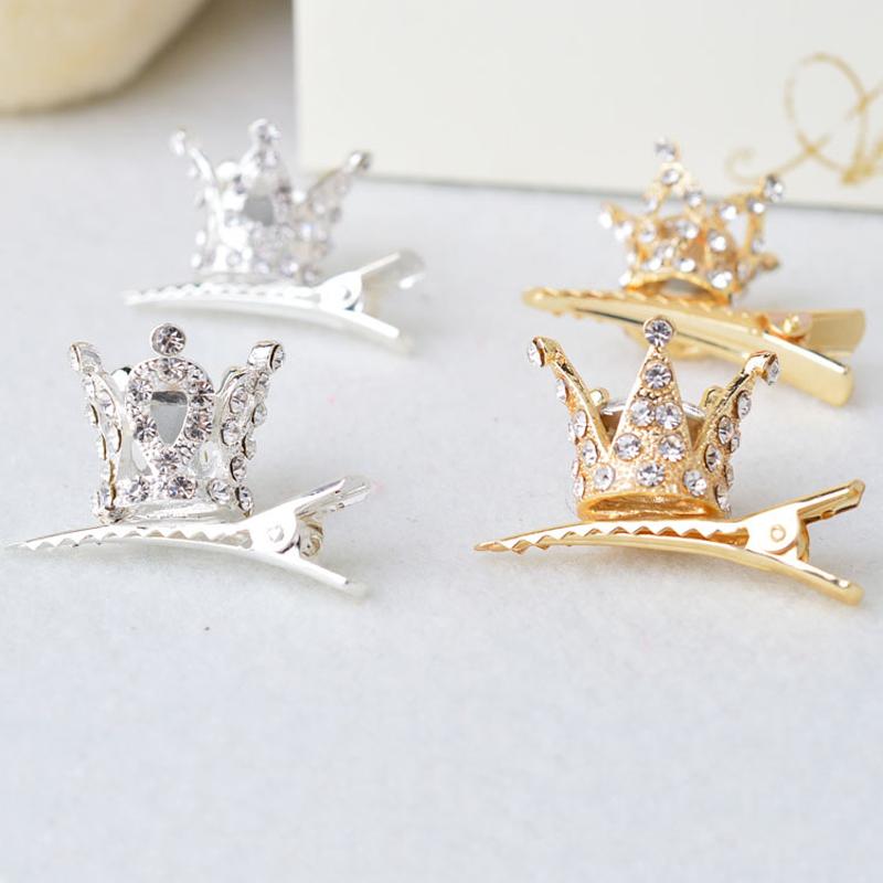 Väikesed klambrid krooniga