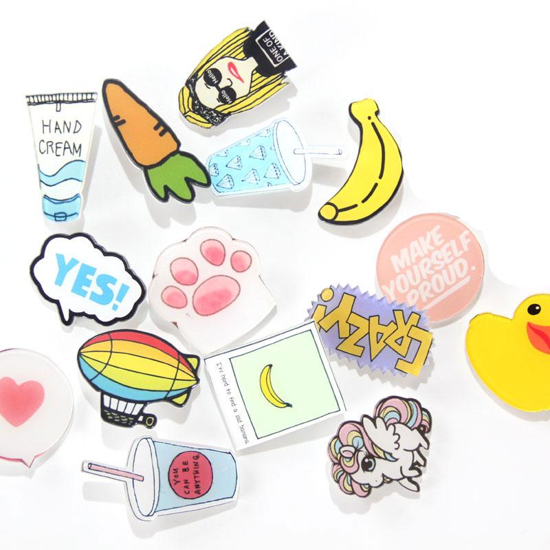 Valik erinevaid plastikust märke