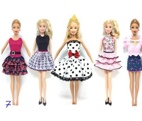 Erinevad riidekomplektid Barbie nukule