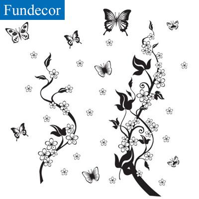 c10b90de359 Pruun või must seinakleeps liblikatega