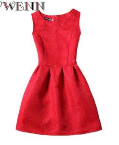 Õrna mustriga kleidid