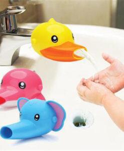 Lõbusad loomad kraani külge