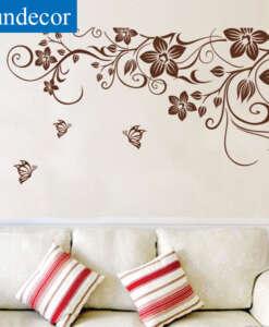 Seinakleeps pruunide lilledega