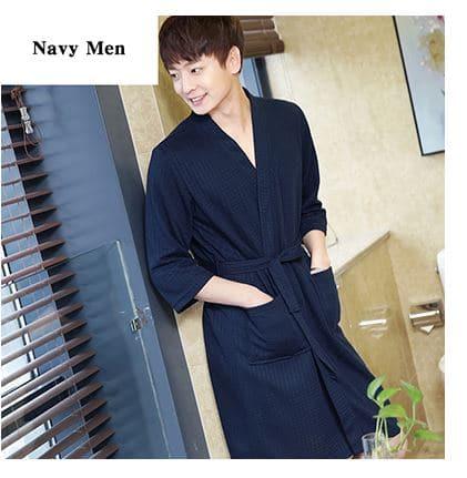 Meeste ja naiste taskutega hommikumantlid