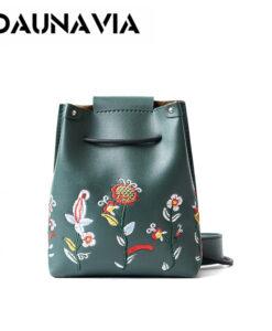 Tikitud lilledega väikesed kotid
