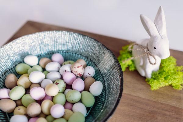 Kuidas värvida mune looduslike vahendeid kasutades?