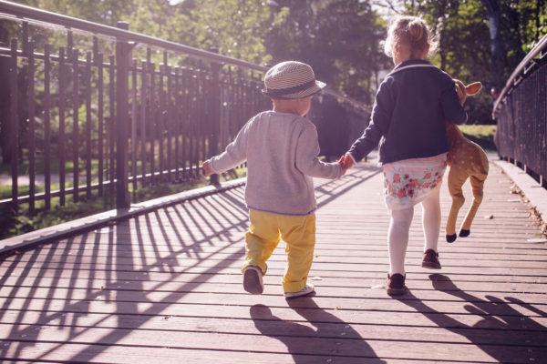 Kuidas aidata lastel vanemate lahkuminekuga toime tulla?