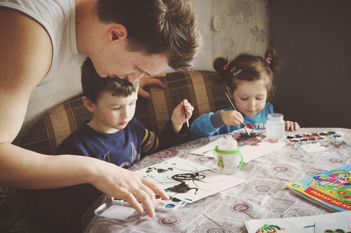 Kuidas teha lastele kodus olemine huvitavamaks?